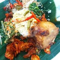 Nasi Bungkus Campur Ayam Goreng