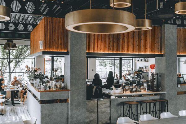 Junction Cafe, Uskup Agung