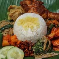 Nasi campur sosmed Ayam Rendang